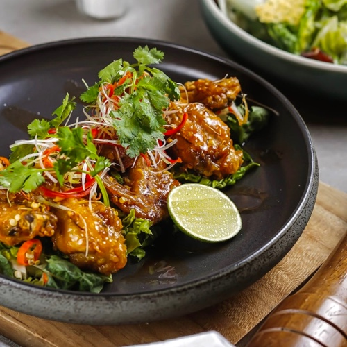 Crispy Maple Sriracha Chicken Wings