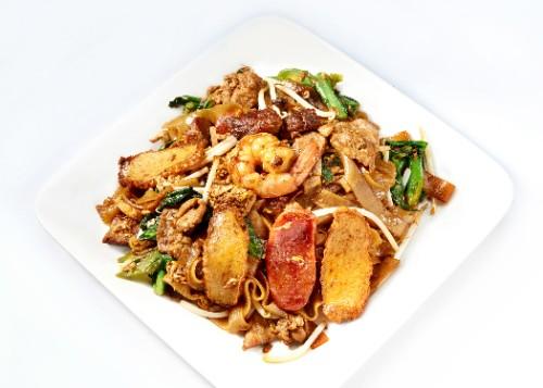 Fried Noodle Singkawang / Kwetiau Goreng Singkawang