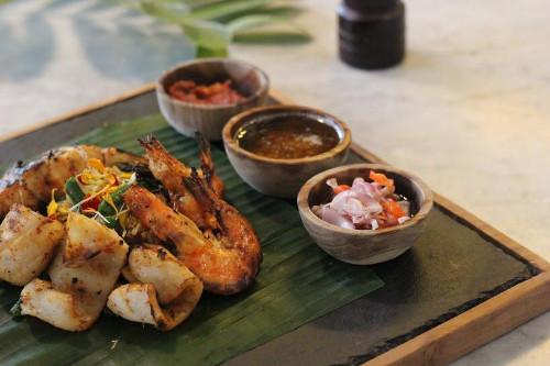 Grilled Seafood Platter Jimbaran Style