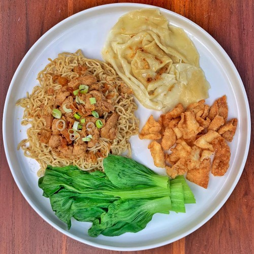 Mie Ayam Spesial ( Special Chicken Noodles )