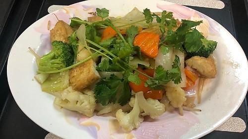 39 - Vegetarian Wide - Hủ Tiếu Lớn Hoặc Mì Xào Chay