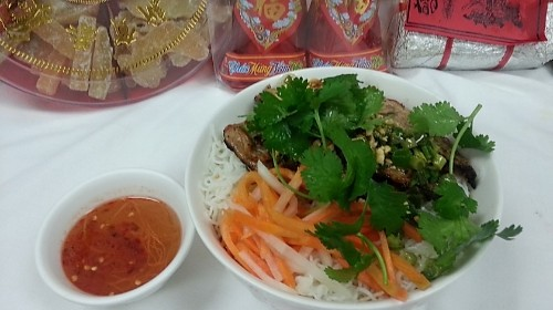 30 - Rice Stick Noodle With Grilled Pork - Bún Thịt Heo Nướng