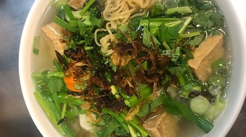 23 - Egg Noodle Soup With Tofu & Vegetables - Mì Chay