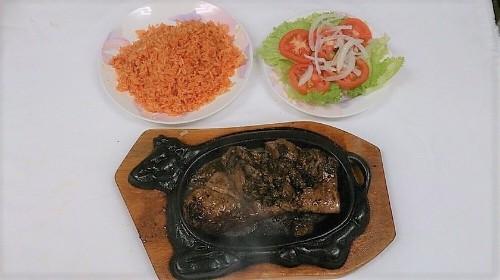 75 - Mushroom Steak Over Tomato Rice - Cơm Bít Tết