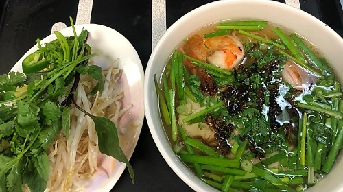 17 - Egg Noodle With Prawn, Pork - Mì Sài Gòn