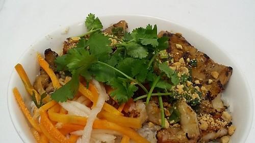 32 - Rice Stick Noodle With Grilled Prawn & Pork - Bún Tôm Thịt