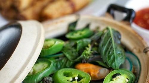 10 - Steamed Mussels With Lemongrass (10) - Chem Chép Hấp Xả