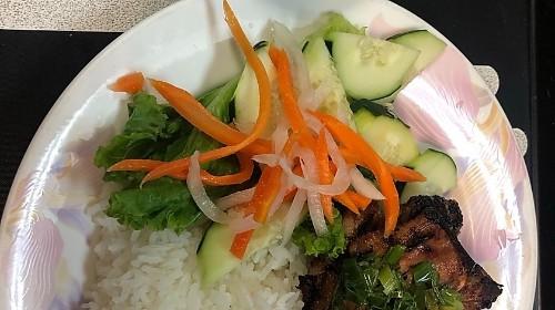61 - Rice With Grilled Lemon Grass Chicken - Cơm Gà Nướng