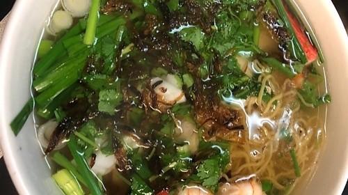 21 - Egg Noodle With Shrimp Pork/ Squid/ Crab Meat - Mì Nam Vang