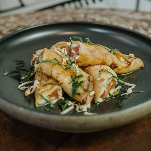 Crepes with salted salmon - Блины с слабосоленым лососем