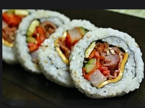 Spicy Pork Gimbap (제육볶음 김밥, 辣炒豬肉紫菜包饭 10 PC))
