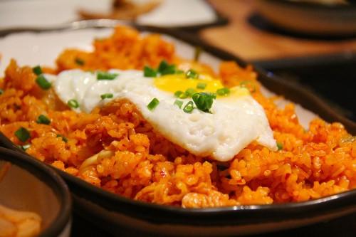 Kimchi Fried Rice (김치볶음밥, 泡菜炒饭)