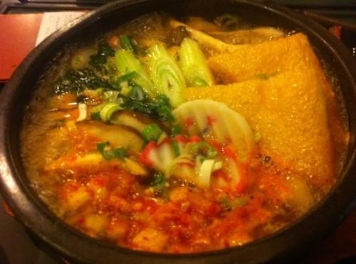 Kimchi U-dong Soup (김치 우동, 泡菜乌冬面)