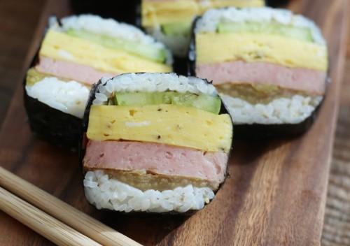 Spam Musubi (스팸 무스비, 午餐肉饭团)