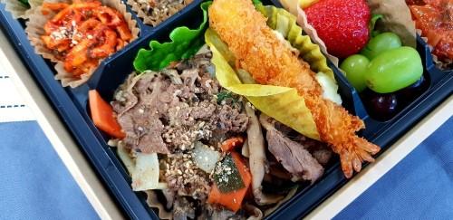 Korean B.B.Q Beef Lunch Box (불고기 도시락, 烤肉盒饭)