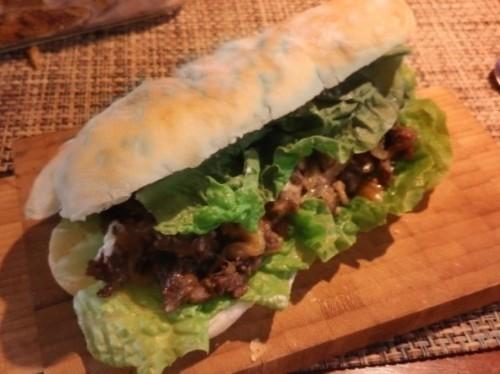 Spicy Pork (제육볶음, 辣炒猪肉三明治) Sandwich