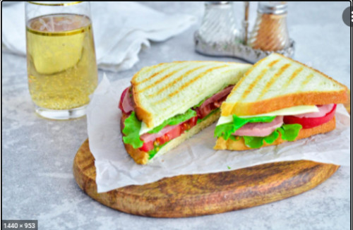 Shredded Pork & Pork Skin Sandwich